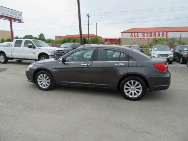 2014 Chrysler 200-Series