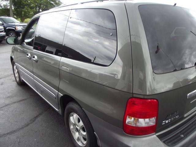 Kia Sedona 2005 price $5,500