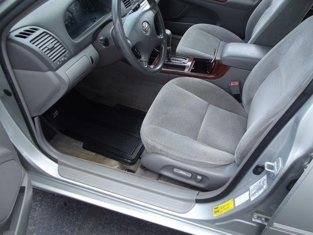 Toyota Camry 2002 price $6,995