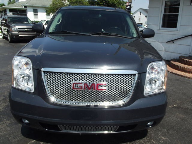 GMC Yukon XL Denali 2008 price $13,995