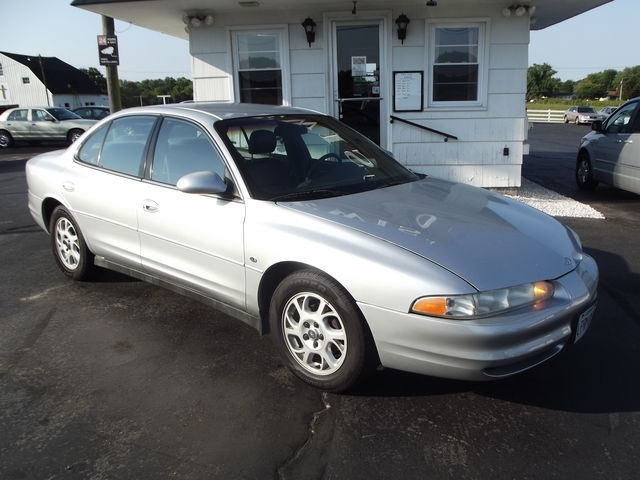 Oldsmobile Intrigue 2001 price $4,995