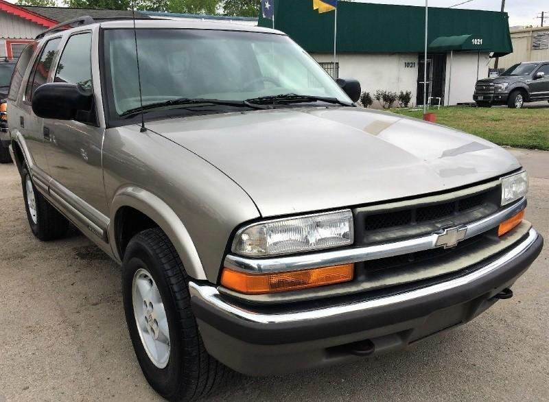 Chevrolet Blazer 2001 price $1,850