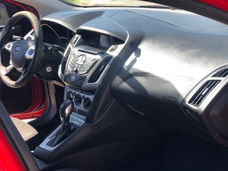 Ford Focus 2012 price $800 Down