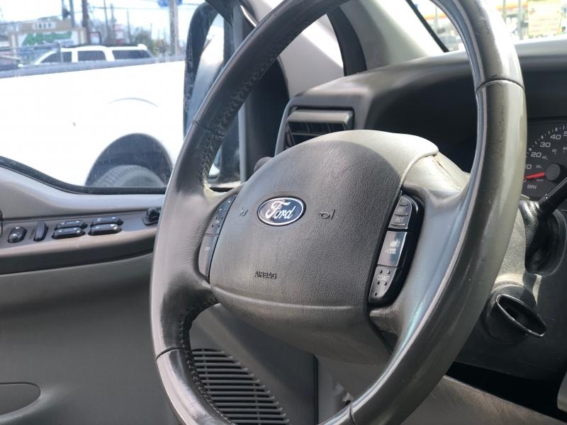 Ford Super Duty F-250 2004 price $10,500