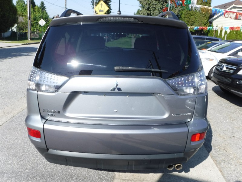 Mitsubishi Outlander 2013 price $9,950
