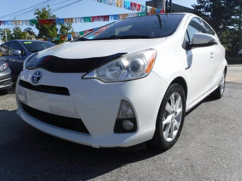 Toyota Prius c 2012 price $8,800