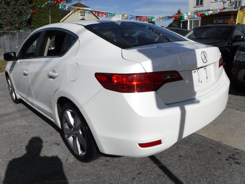 Acura ILX 2013 price $13,800