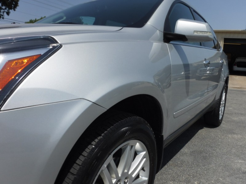 Chevrolet Traverse 2013 price $10,995