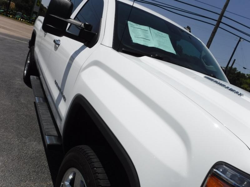 GMC Sierra 2500HD 2015 price $39,995