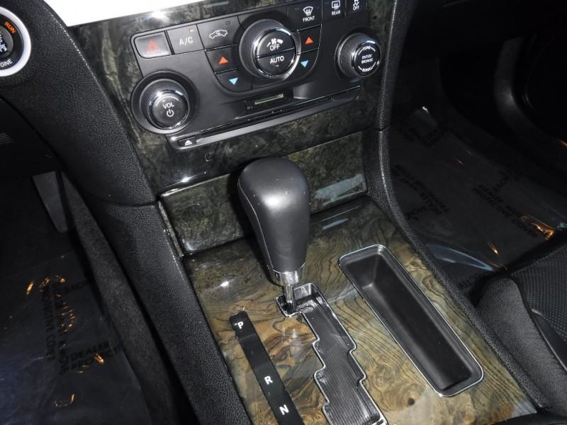 Chrysler 300C 2011 price $11,000