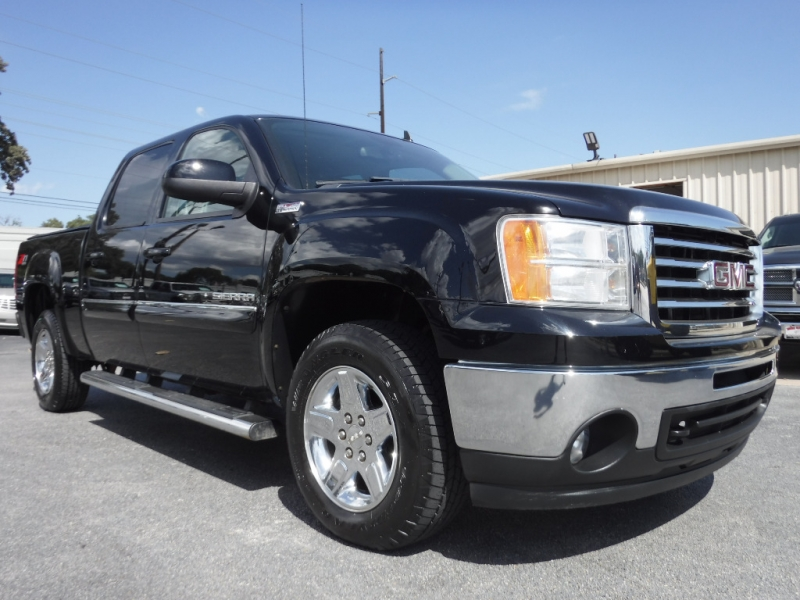 GMC Sierra 1500 2011 price $17,995