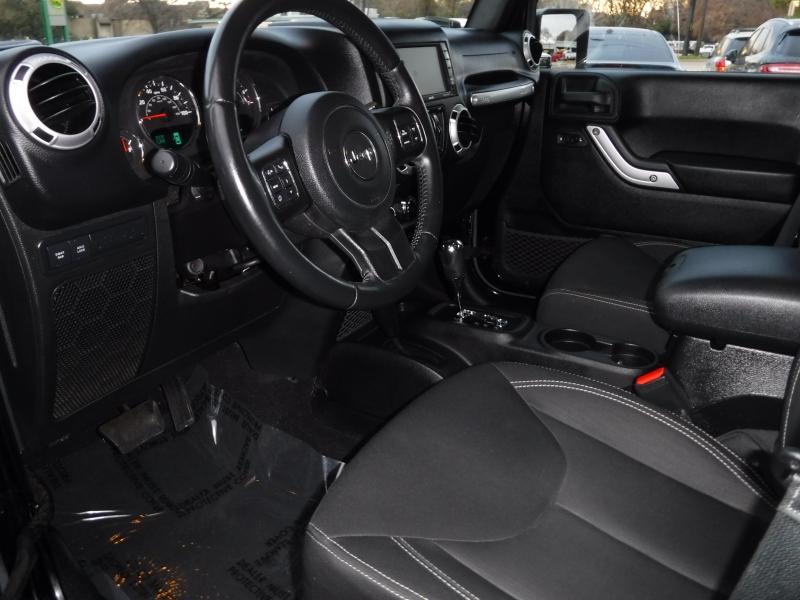 Jeep Wrangler Unlimited 2015 price $25,000