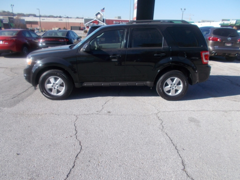 Ford Escape 2011 price $8,899