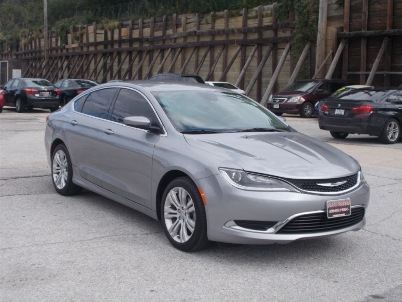 CHRYSLER 200 2015 price $10,999