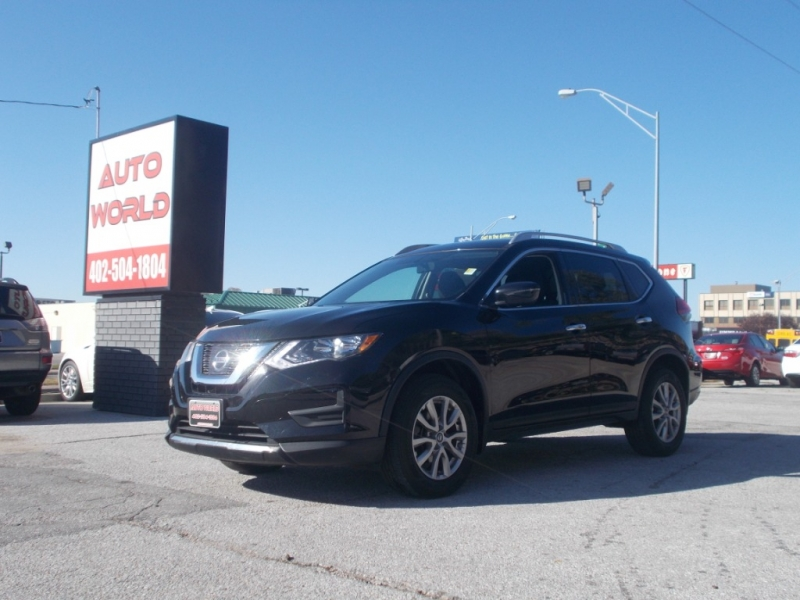 Nissan Rogue 2017 price $18,499