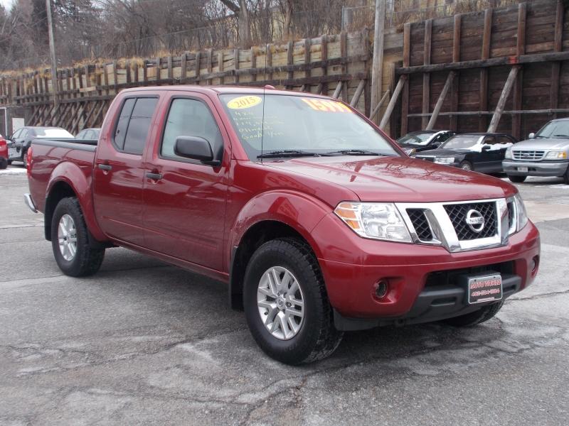 Nissan Frontier 2015 price $15,999
