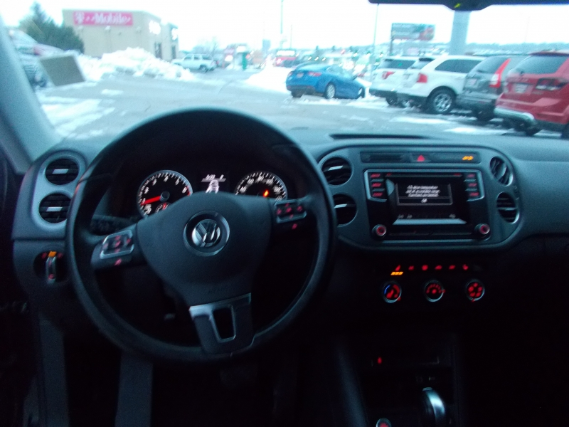 Volkswagen Tiguan 2016 price $14,999