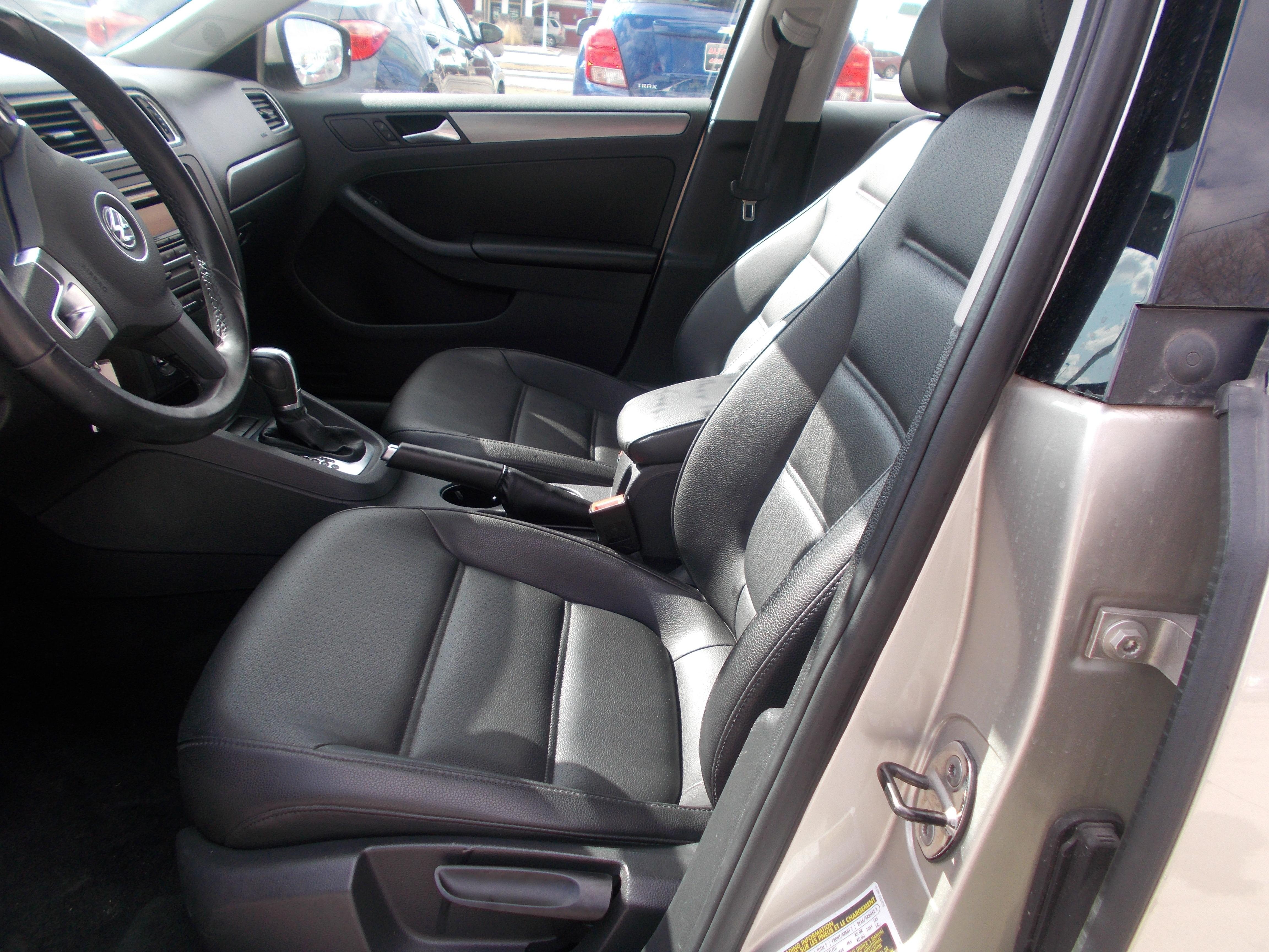 Dark Grey Dashboard Pad Dash Cover Mat For 1999 Later 2005 VW Jetta