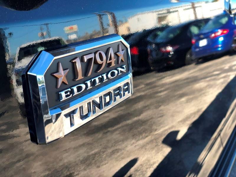 Toyota Tundra 2017 price $40,995