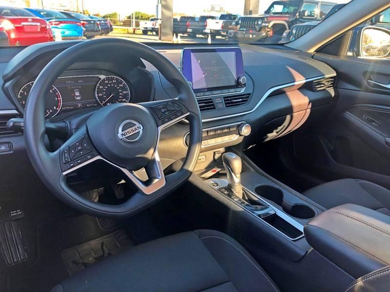 Nissan Altima 2019 price 17900