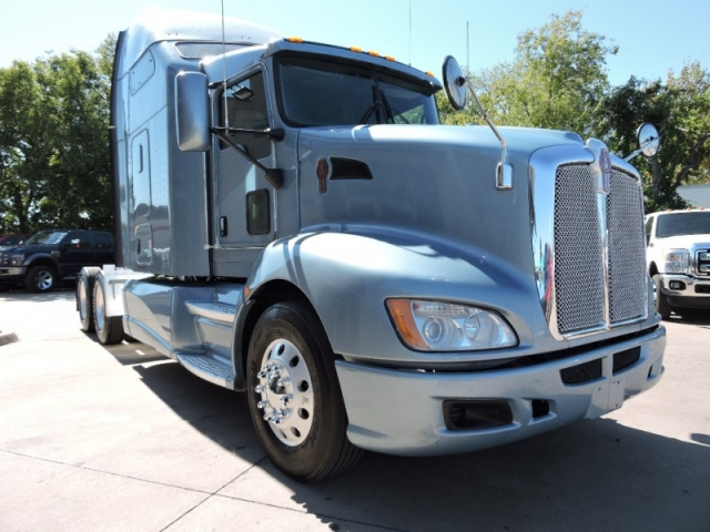 2012 KENWORTH CONSTRUCT T660 Sleeper 10Speed