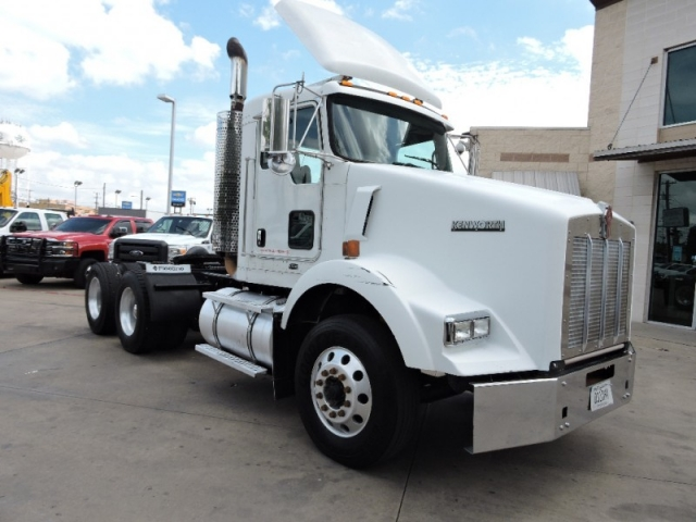 2008 Kenworth T800 Day Cab
