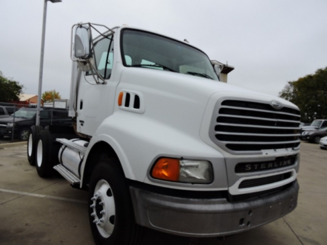 2004 - STERLING AT9500 DAY CAB