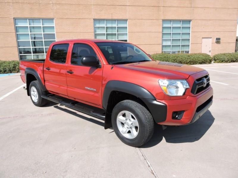 Toyota Tacoma 2014 price $18,990