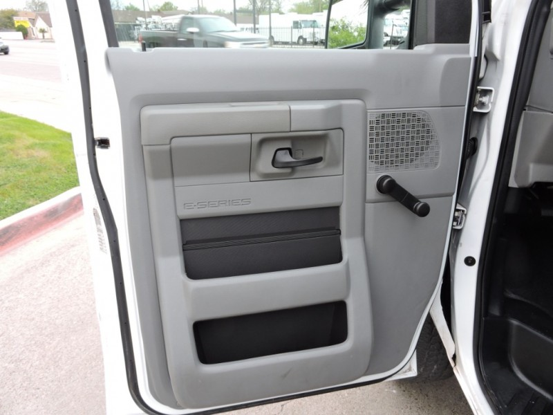 Ford Econoline Cargo Van 2011 price $10,990