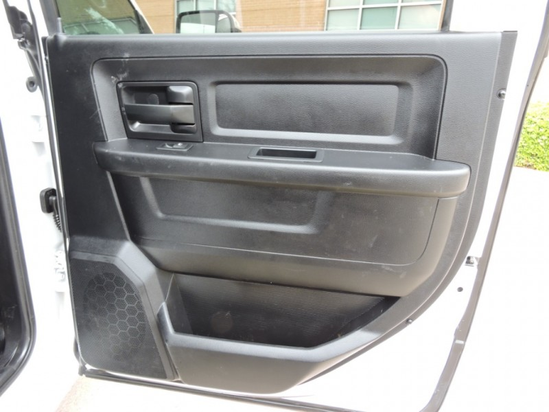 Dodge Ram 3500 2017 price $28,990