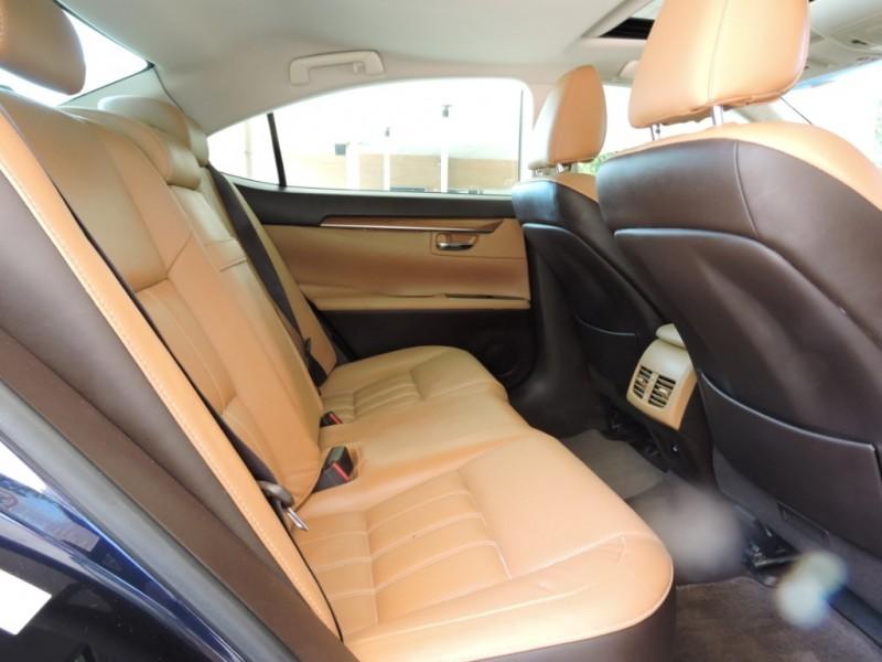 Lexus ES 300h 2016 price $17,990