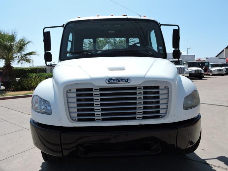 2009 Freightliner BUSINESS CLASS M2