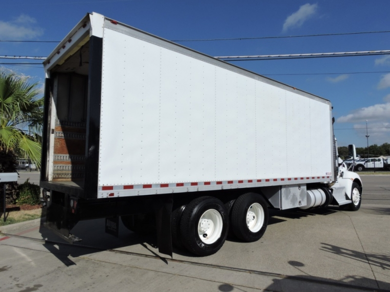 KENWORTH T300  2011 price $29,990