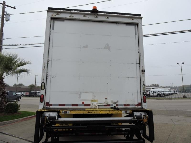 Freightliner M2 26 FOOT BOX 2008 price $21,900