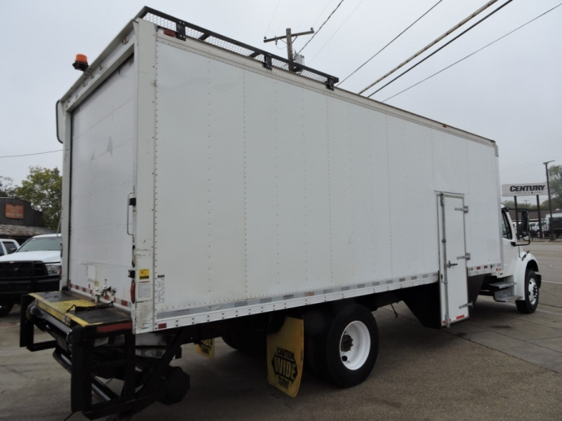 Freightliner M2 26 FOOT BOX 2008 price $21,900