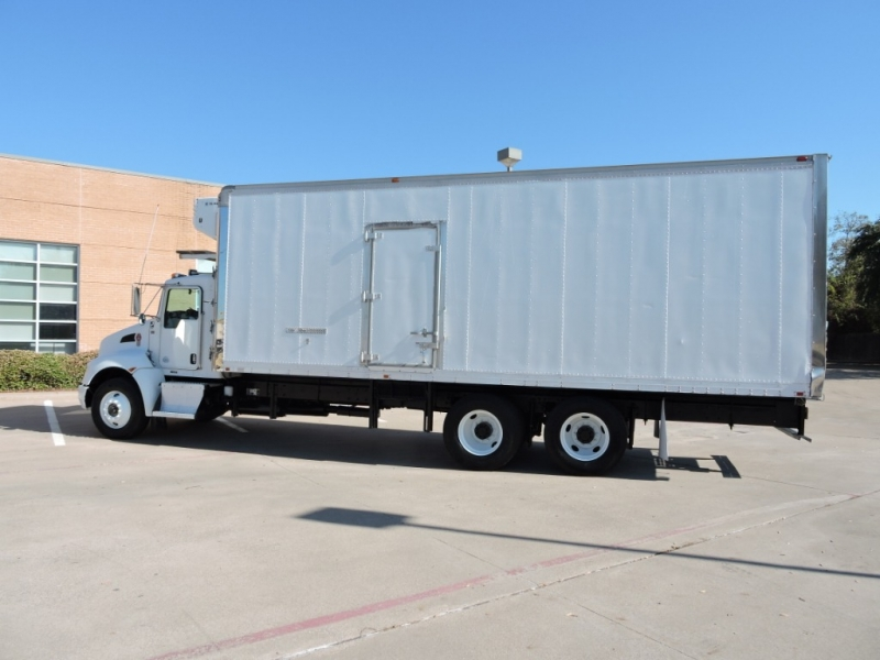 KENWORTH T300  2010 price $26,990