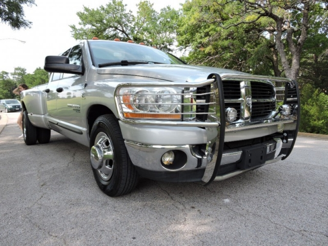 2006 Dodge Ram 3500 Dully SLT 2WD Quad Cab