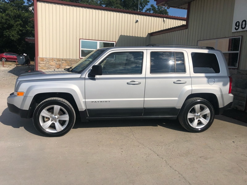 Jeep Patriot 2011 price $8,995