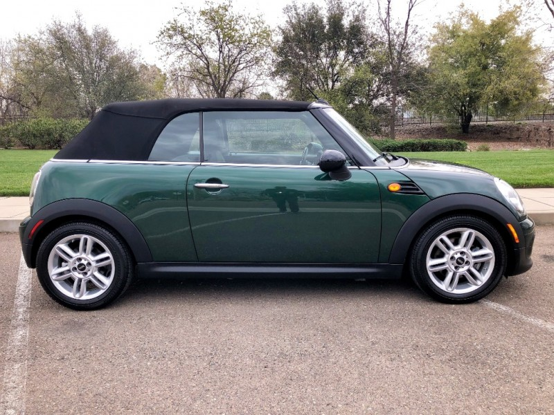Mini Cooper Convertible 2015 price $11,545