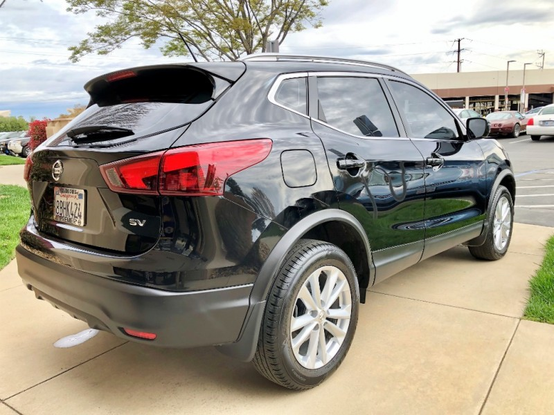 Nissan Rogue Sport 2017 price $14,495