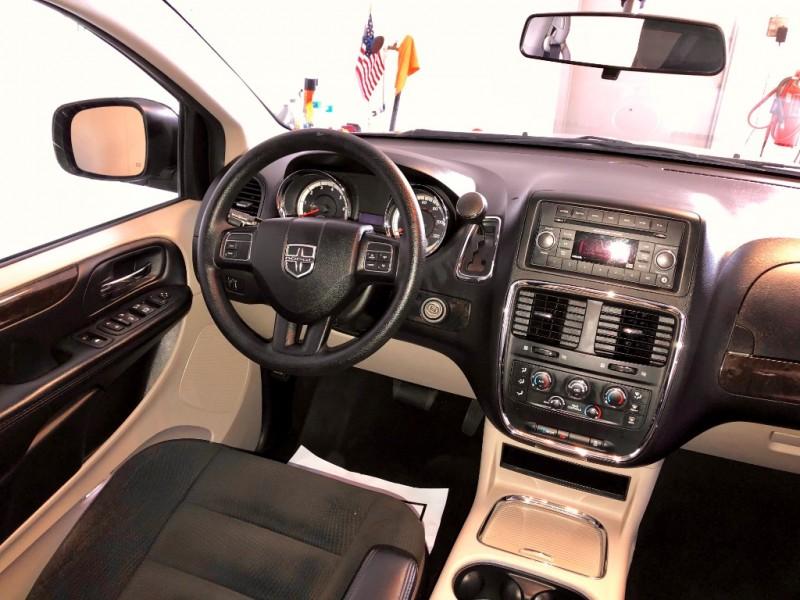 Dodge Grand Caravan 2016 price $11,795