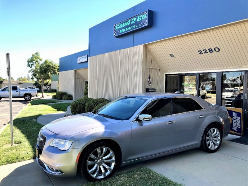 Chrysler 300-Series 2018 price $16,840