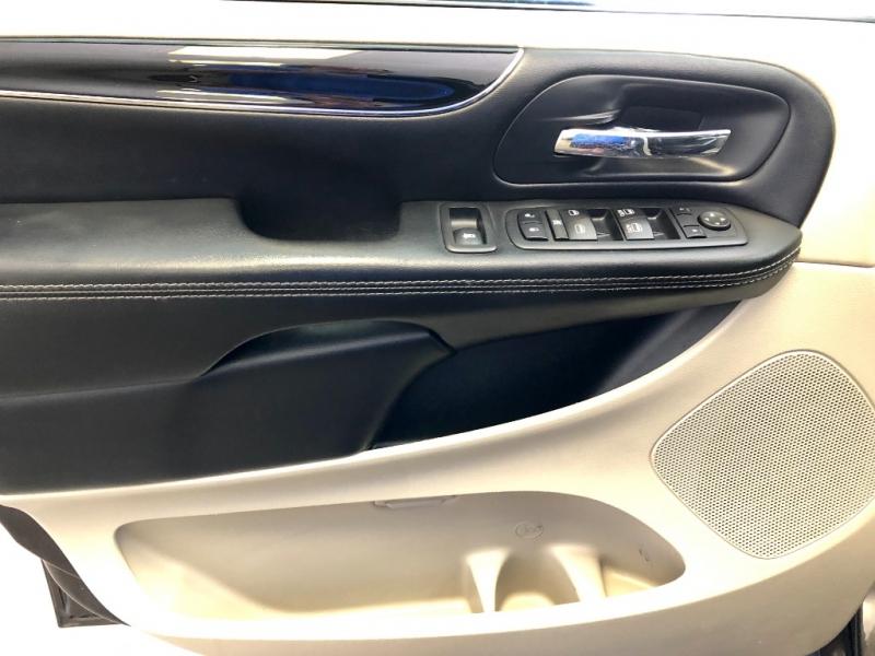 Dodge Grand Caravan 2017 price $10,995