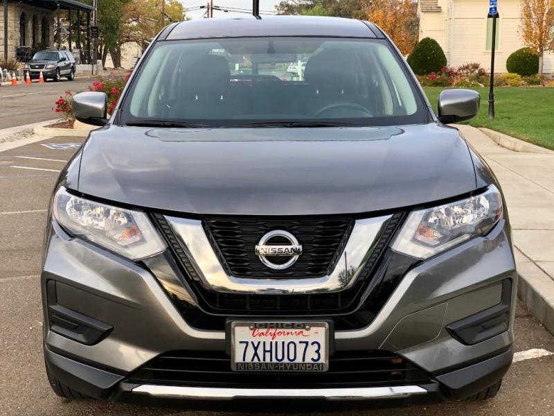 Nissan Rogue 2017 price $13,495