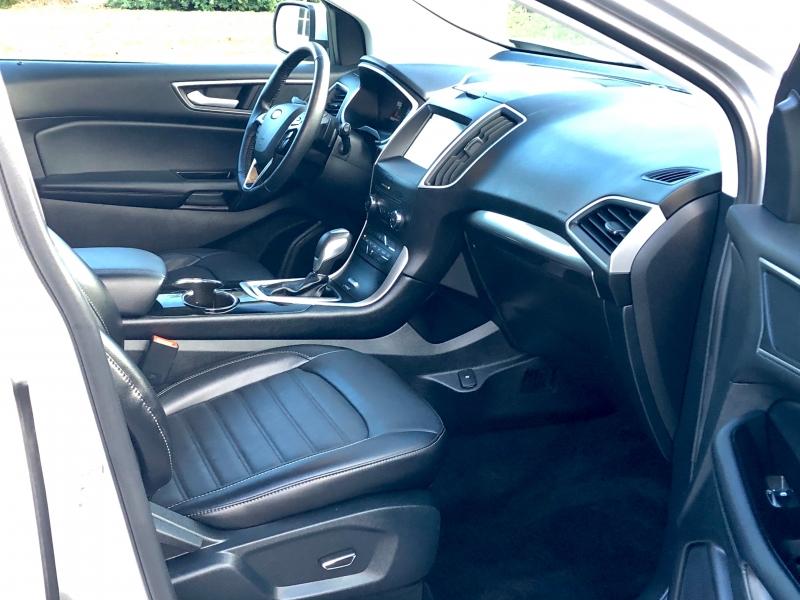 Ford Edge 2016 price $16,575