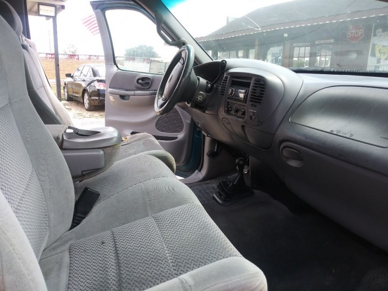 FORD F150 2001 price $7,999