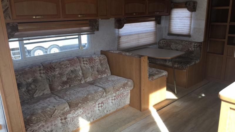 NOMAD TRAVEL TRAILER 2002 price $10,999