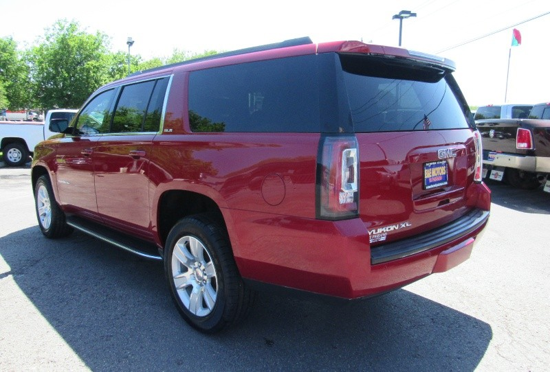 GMC Yukon XL 2015 price $33,950
