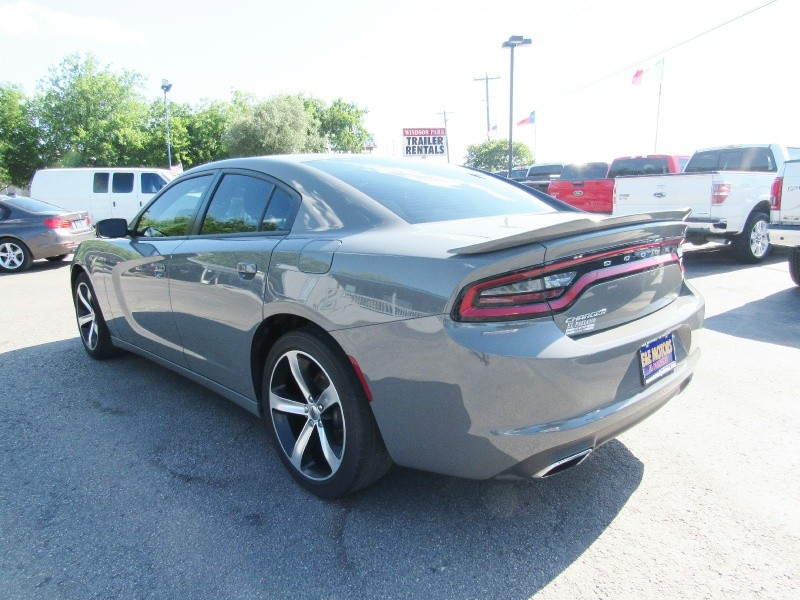 Dodge Charger 2017 price $25,950