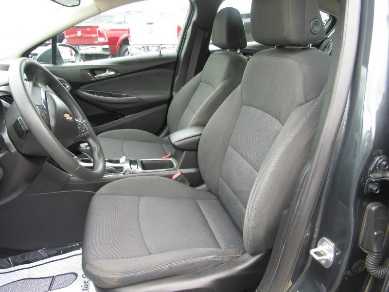 Chevrolet Cruze 2017 price $12,950